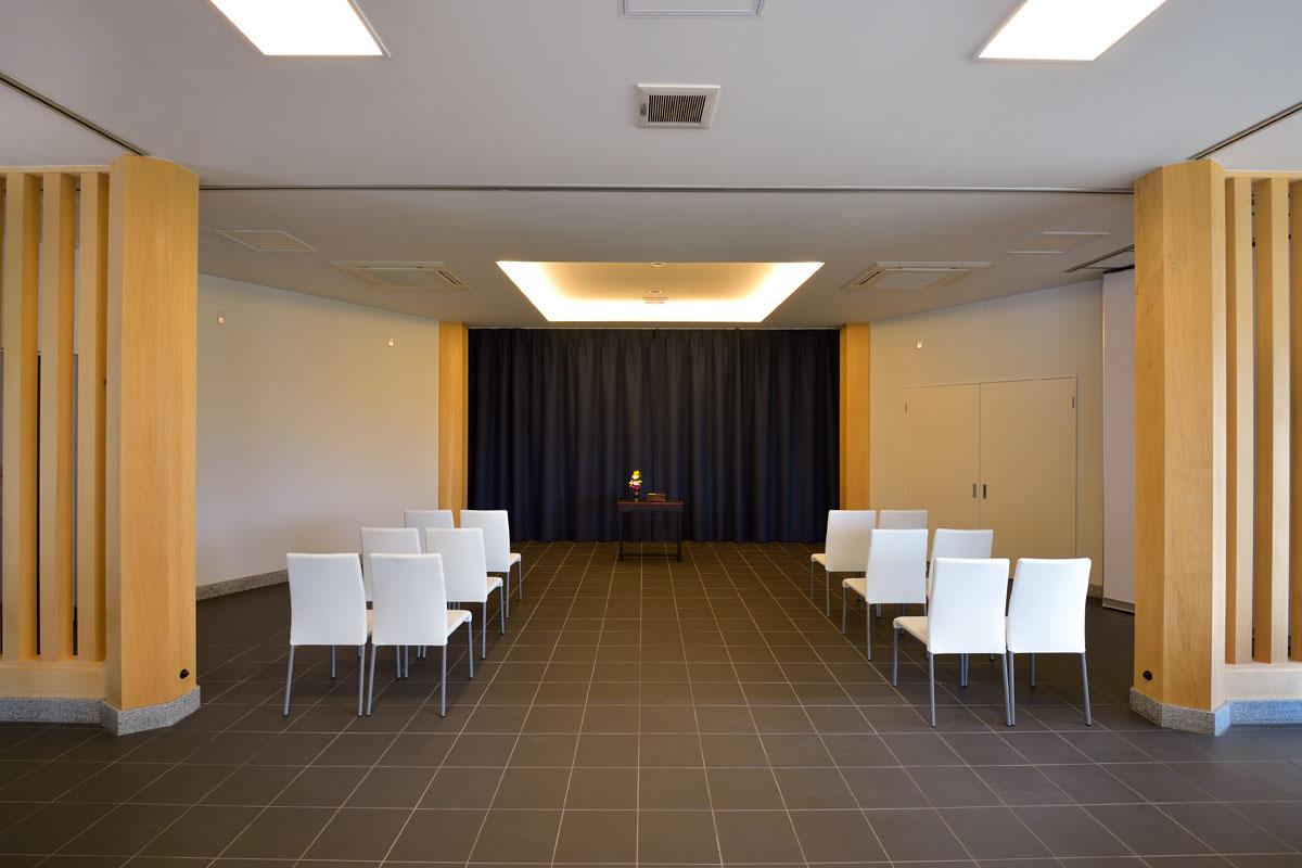 ご葬儀や法要にご利用いただける多目的ホール(1階)